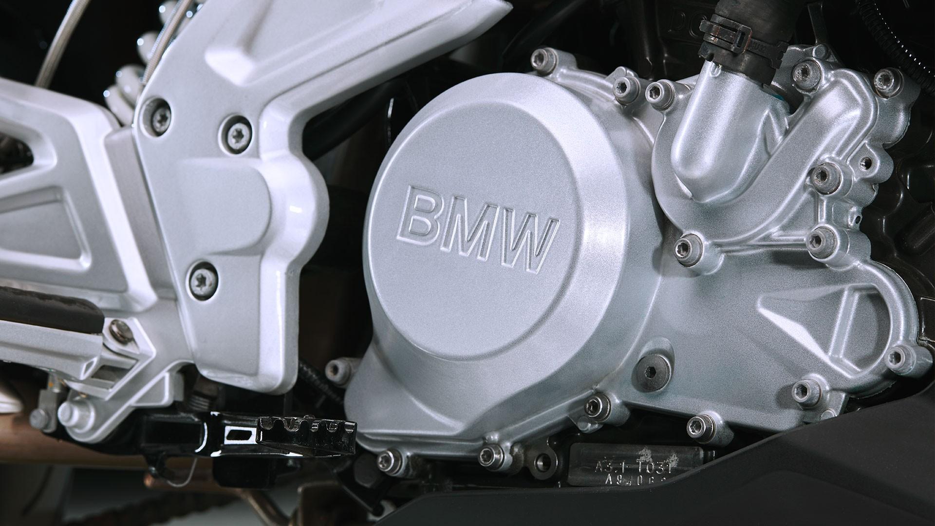 Інноваційний одноциліндровий двигун.