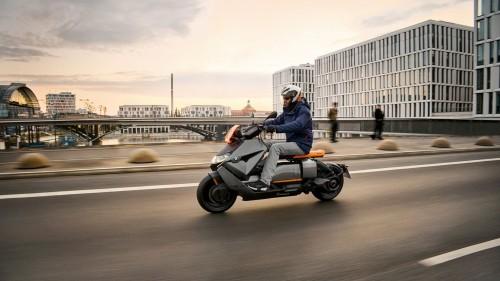 Новий BMW CE 04 – безшумна революція в міський електричній двоколісній мобільності